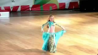 اصغر راقصة في العالم