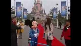Miley Cyrus Visit To Disneyland Paris On Disney 365