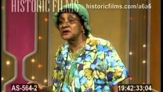 """Jackie  """" Moms """" Mabley performs  live  1969"""