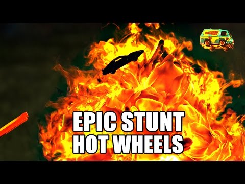 Hot Wheels STUNT RACE Slow Mo 2500 FPS