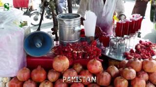 Street Food of Pakistan: Pomegranate Juice and Chickpeas Vendor (4K video)
