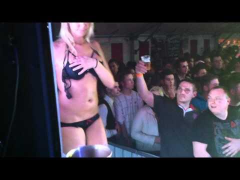 Miss t shirt mouillée DAMPICOURT 30 AVRIL 2012 SHOW FIN