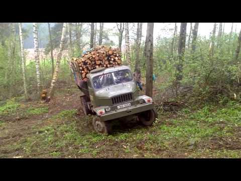 Obładowa Praga V3S wyjeżdża z lasu leaves from the forest