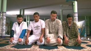 Ils faisaient leur prière mais .. [Court Métrage Islamique]