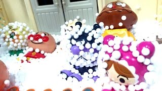 アンパンマンの町に雪が降るよ❤️ バイキンマン コキンちゃん カレーパンマン あかちゃんまん メロンパンナ パトカー おもちゃ アニメ キッズ Anpanman Kids Toys