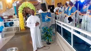 Omo owa entertainment at c.c.c Ogo Irawo cathedral on sunday