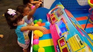 Kids Arcade Games, Plastic Balls Game, Splash the Ducks Game, Chuck E Cheese
