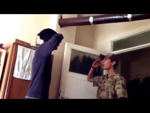 Gaza gelen asker komutanın karşısında da panik yapıyor :)) /MUSTAFA ÇAVUŞ