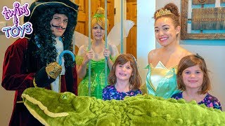 Princess Tiana SAVES Tinker Bell from Captain Hook Jail!