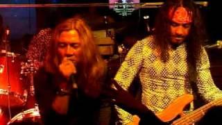May - Meniti Suratan (Live & Unplugged)