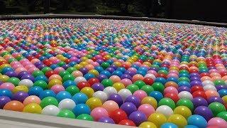 A LOT OF PLASTIC BALLS , 10 000 BALLS