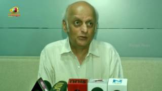 Dishoom Makers Get Threat From Torrents | Producer Mukesh Bhatt About Movie Online Leak | Mango News