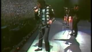 Michael Jackson - Wanna Be Startin' Somethin' - Live in BAD Tour - YouTube.mp4