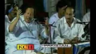 Mast Nazaron Se Allah bachaye - Nusrat Fateh Ali khan