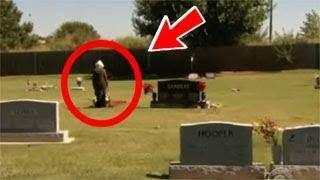 """بعد وفاة ابنته """"الاب يكتشف أمرا غريبا داخل قبرها لن تتخيل ماذا وجد"""""""