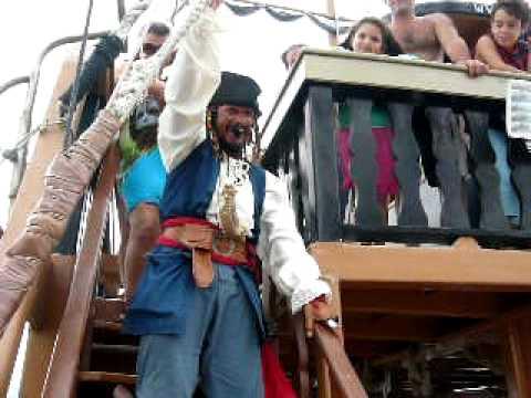 Barco Pérola Negra em Canasvieiras SC 28 03 2010