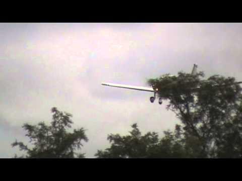 Pouso do Pedro Azevedo Aeronave na Pista de Ourinos SP