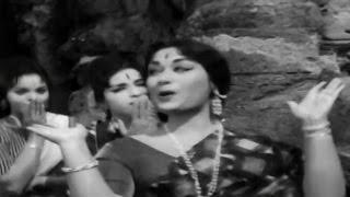 Sumangali || Aanati Maanavudu Emi Chesaadu Video Song || ANR, Savitri