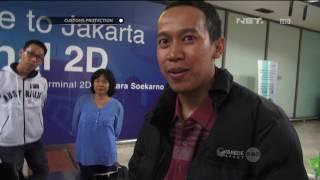 Penumpang Bandara Tidak Taat Aturan; Petugas Musnahkan Ratusan Rokok - Customs Protection