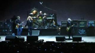 Led Zeppelin - Good Times Bad Times with Intro Live at the O2 Arena Reunion Concert