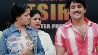 Nagarjuna proposes Jyothika in public - Meri Jung One Man Army