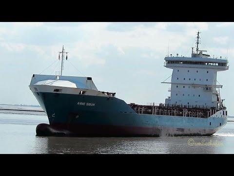 cargo seaship ANNE SIBUM C4YC2 IMO 9396696 inbound Emden merchant vessel container ship Frachtschiff