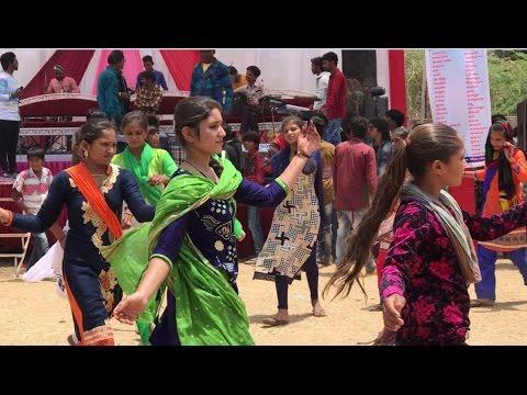 Hot Desi Young Girls Best Comedy Dance Video On Jamne Tetar Bole Live Program 2017