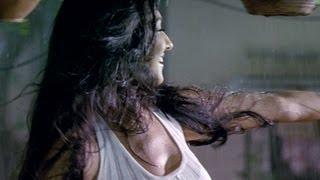 Rituparna enjoys her first rain | Dunno Y Na Jaane Kyon
