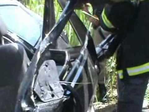 Justiça na Tela ATENÇÃO Imagens fortes Acidente próximo a Itambacuri com uma vitima fatal