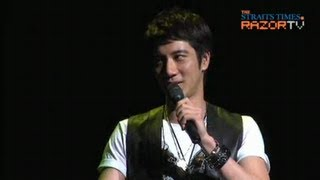 Listen to his Heartbeat (Wang Lee Hom in Singapore Pt 1)
