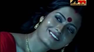 Chader haasi bhad bhengecha: Romantic Rabindra Sangeet