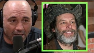Joe Rogan - Ted Nugent is a Good Guy!