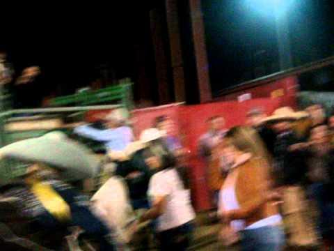 Chingasos en el coleadero en el pico rivera con la banda jerez 2 26 11