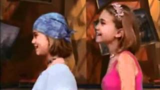 MARY-KATE AND ASHLEY LOOK AT ART