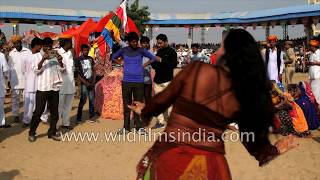 Belly dance at the Pushkar Fair in Rajathasn - cross cultural cross-over