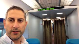 China Travel Tips: Maglev train Shanghai 430km/h (magnetic levitation) English Spanish