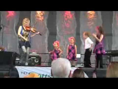 Natalie MacMaster and her kids 2013 Dublin Irish Festival
