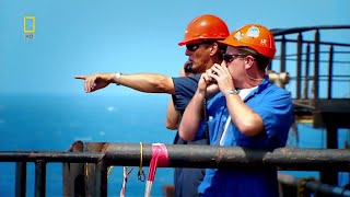 PETROLEUM ENGINEERS WORKING IN OIL RIG IN MEXICO