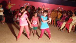 Bangla Girls Dance 2017 HD গ্রামের মেয়ের অস্থির নাচ!!