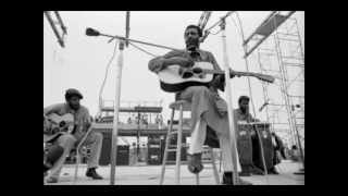 Woodstock 1969 day 1 Richie Havens-Handsome Johnny