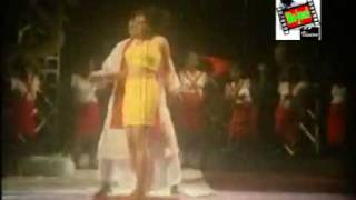 garam masala bangla song video club scene dance baby, yeah! chele!