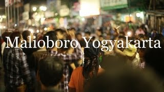 JALAN MALAM MALIOBORO YOGYAKARTA (INDONESIA)