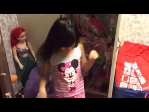 Khatrina & Louise: Messy room