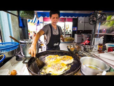 Xxx Mp4 Street Food In Bangkok Awesome PAD THAI And Instant Noodles On Petchaburi Soi 5 3gp Sex