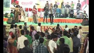 Gujarati Garba Song Navratri Live 2011 - Kalol - Darshna Vyas, Vipul Panchivala - Day-4 Part-26