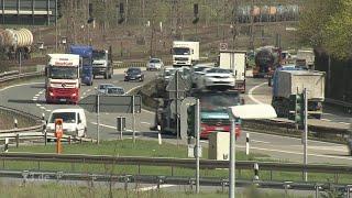 Realer Irrsinn: Autobahnkunst in NRW | extra 3 | NDR