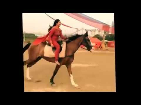 Sonakshi Sinha Horse Riding video very hot in shooting Sets