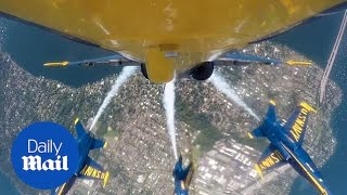 2019 Boeing Seafair Air Show: US Navy Blue Angels fly over Seattle