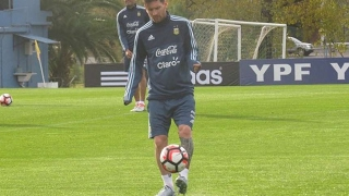 Lionel Messi Freestyle ● Crazy Tricks