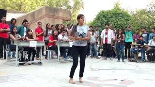 Indian College Girl - Super Hit Dance In Public On Baby Doll Sunny Leone